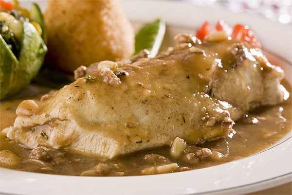 pollo en salsa tradicional polleria somolinos